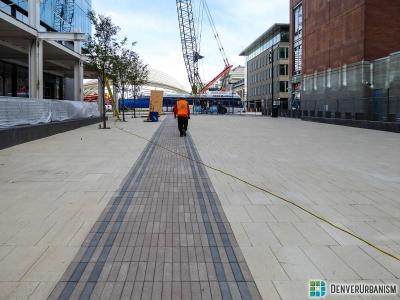 2015-11-06_tail-tracks-plaza-1